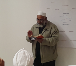 Matloob Hussain shares some beautiful couplets with the audience