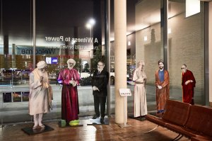 Life size portraits of faith leaders design by Nicola Green, at the entrance of Saïd Business School.
