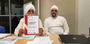 Bhai Sahib, Bhai Mohinder Singh, Chairman of Nishkam Group of Organisations with Prof Upkar Singh Pardesi, Vice Chairman of Nishkam Centre presented with IiV Certificate